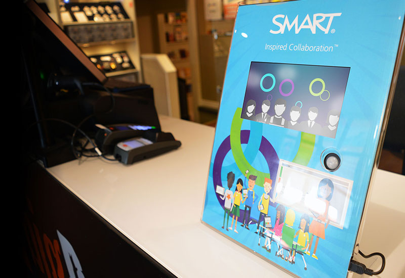 Smart-LCD-CountertopDisplay-casestudy